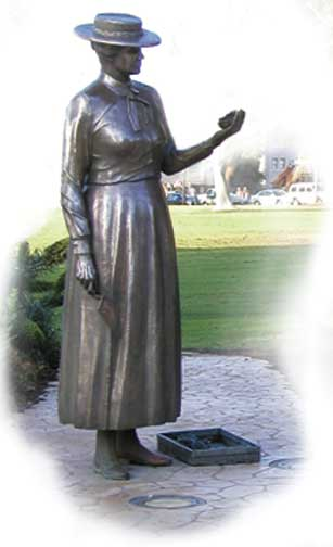 Statue of Kate O. Sessions in Balboa Park